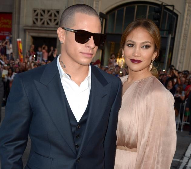 Casper Smart and Jennifer Lopez hit the 'What to Expect When You're Expecting' premiere in Hollywood -- Getty Images