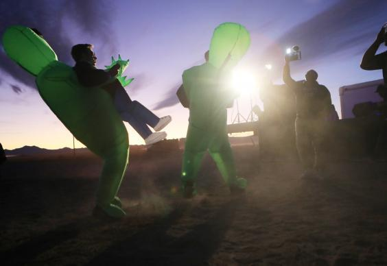 Hundreds gathered in the Nevada desert to 'see them aliens' (Getty Images)