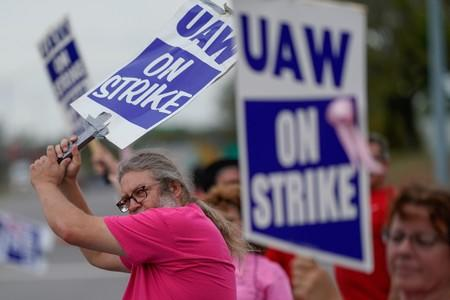 FILE PHOTO: UAW workers strike at the Bowling Green facility