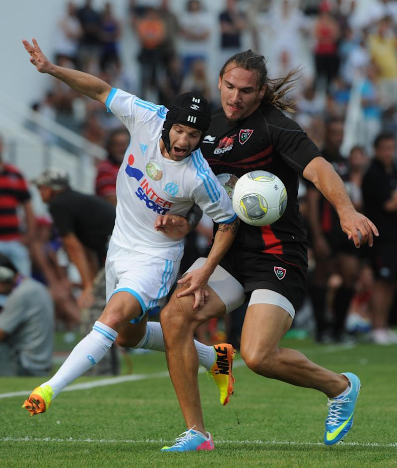 Rugby Union - Lyon duo Du Preez and Gunther to go under knife