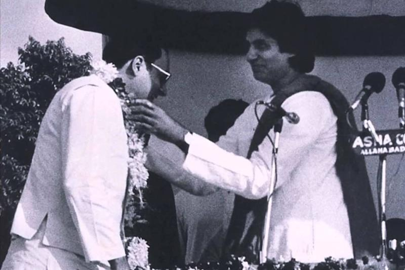 Days Before Murder, Indira Gandhi Warned Rajiv Against Drafting Amitabh Bachchan Into Politics