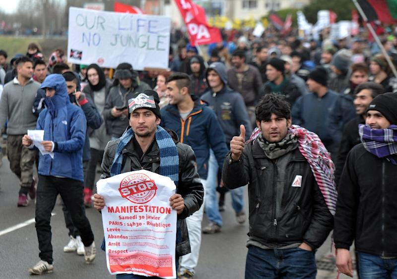 A march on January 23, 2016 in the French port city of Calais, northern France, during a demonstration to support migrants who live in the 'jungle', an encampment made up of migrants who are mainly trying to reach Britain (AFP Photo/Francois Lo Presti)
