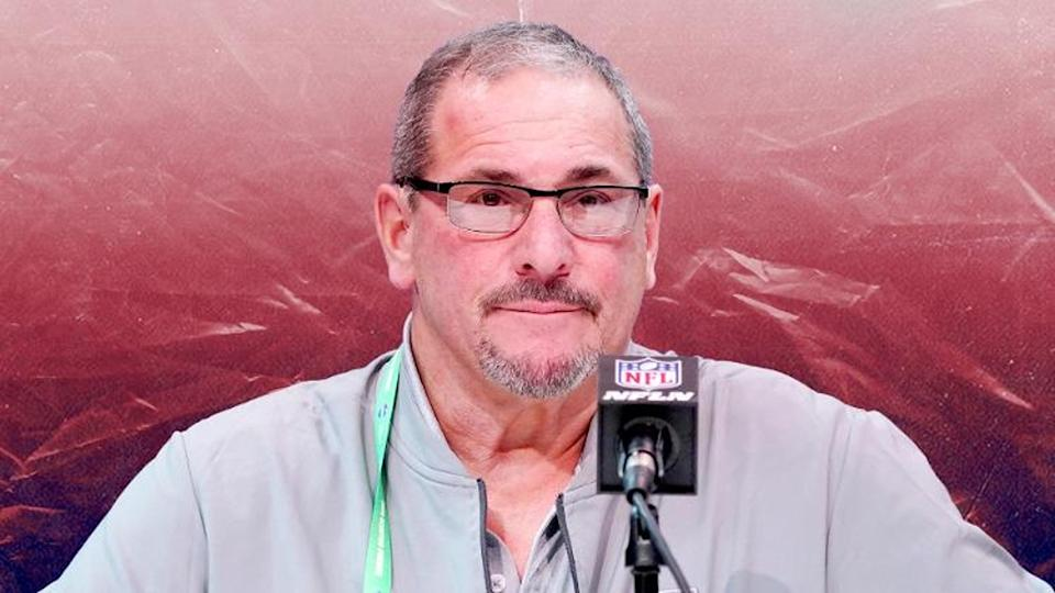 Giants GM Dave Gettleman Podium Red Treated Image