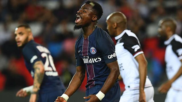 The full-back has been linked with the two English sides and is ready to depart the Parc des Princes, according to his coach