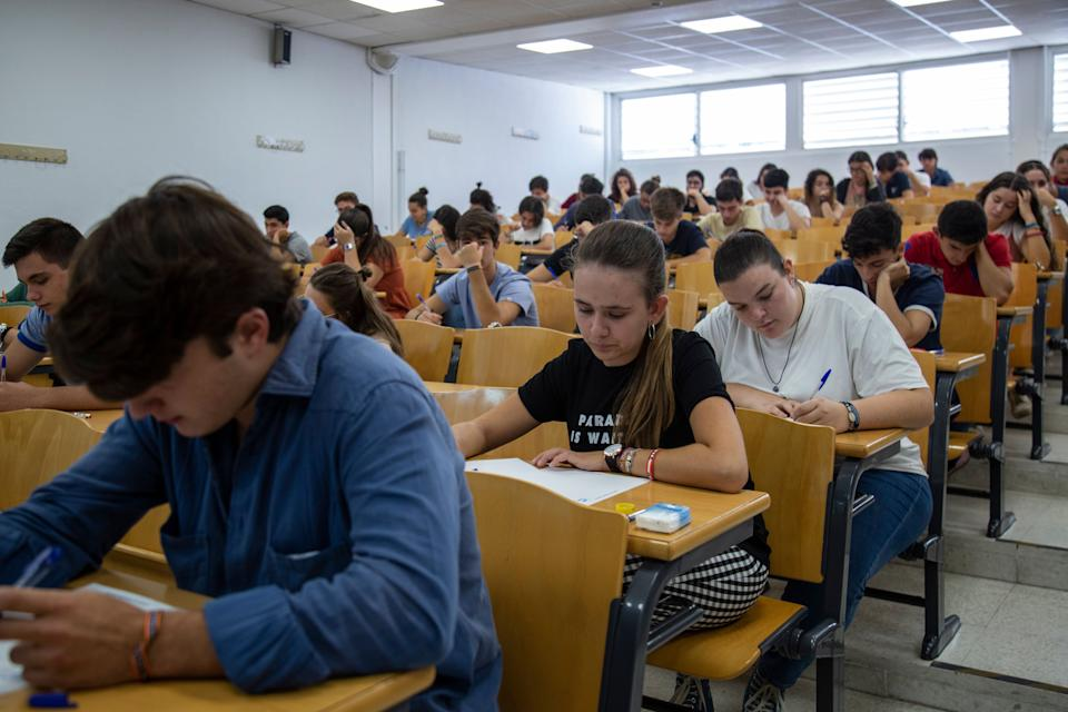 SEVILLA, SPAIN - SEPTEMBER 10: Students sit a university selectivity test at the Faculty of Mathematics of the University of Sevilla on September 10, 2019 in Sevilla, Spain. (Photo by María José López/Europa Press via Getty Images) (Photo: Europa Press News via Getty Images)