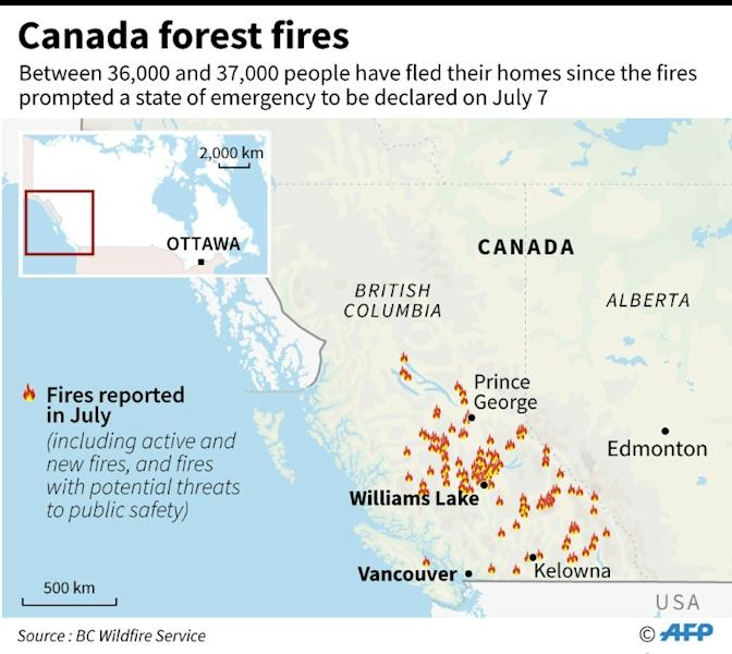 Map of Canada locating forest fires that have prompted thousands to flee their homes