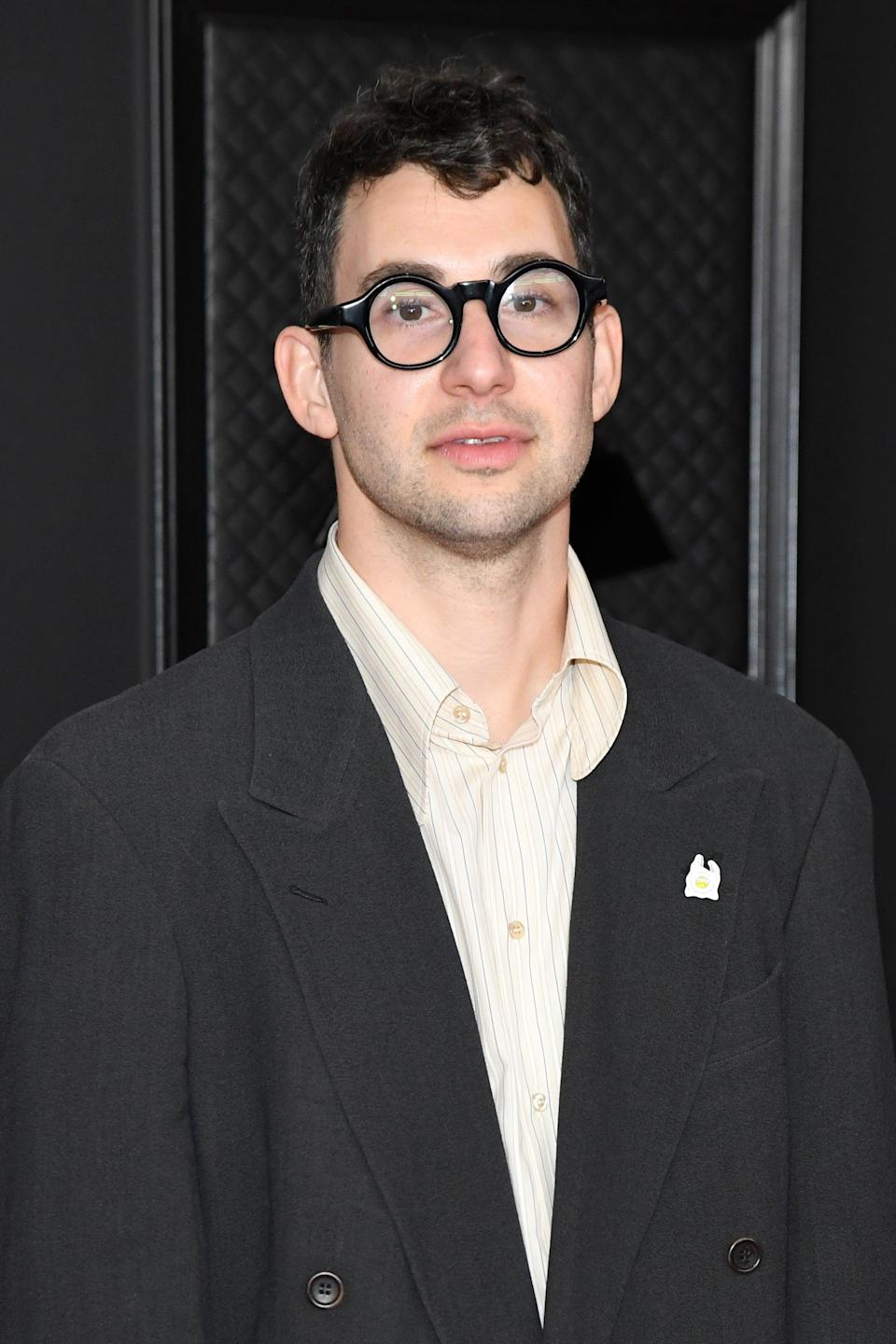 """<p>Most recently, Margaret was linked to Bleachers' lead singer <a href=""""http://www.popsugar.com/Jack-Antonoff"""" class=""""link rapid-noclick-resp"""" rel=""""nofollow noopener"""" target=""""_blank"""" data-ylk=""""slk:Jack Antonoff"""">Jack Antonoff</a>. Back in August, the two fueled romance rumors after being spotted making out and <a href=""""http://www.popsugar.com/celebrity/jack-antonoff-and-margaret-qualley-dating-48465177"""" class=""""link rapid-noclick-resp"""" rel=""""nofollow noopener"""" target=""""_blank"""" data-ylk=""""slk:frolicking around New York City"""">frolicking around New York City</a> hand in hand. Neither celebrity has commented on the status of their relationship.</p>"""