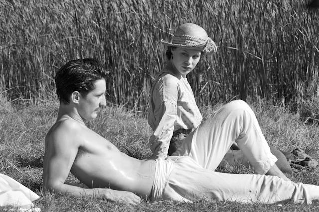 Pierre Niney and Paula Beer in Frantz Credit Jean-Claude Moireau_Foz_Music Box Films2