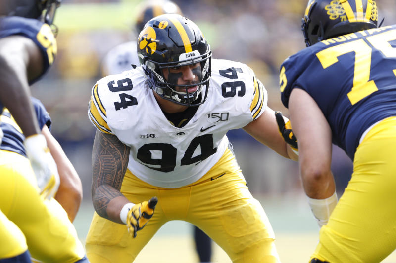 Bills sign top draft pick DE A.J. Epenesa; and two others