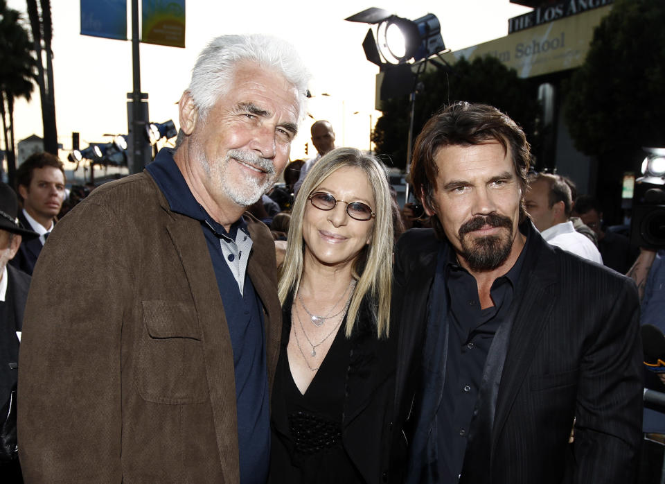 """Cast member Josh Brolin, right, and his father, James Brolin, left, and Barbra Streisand pose together at premiere of """"Jonah Hex"""" in Los Angeles on Thursday, June 17, 2010. (AP Photo/Matt Sayles)"""