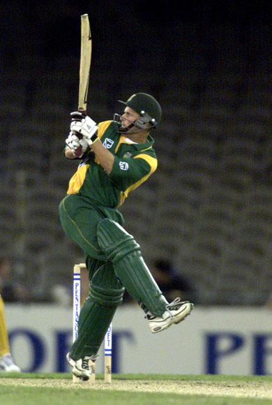 16 Aug 2000:   Gary Kirsten of South Africa in action in the match between Australia and South Africa, in game one of the Super Challenge 2000, played at Colonial Stadium in Melbourne, Australia. This is the first game of cricket to be played indoors. DIGITAL IMAGE Mandatory Credit: Darrin Braybrook/ALLSPORT
