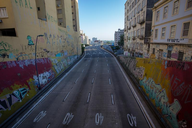 PORTO ALEGRE, BRAZIL - APRIL 05: A general view of an empty Viaduto da Conceicao, one of the main entrances to Porto Alegre, during the coronavirus (COVID-19) pandemic on April 5, 2020 in Porto Alegre, Brazil. According to the Ministry of health, as of today, Brazil has 10.278 confirmed cases of the coronavirus (COVID-19) and at least 432 recorded deaths. (Photo by Lucas Uebel/Getty Images)