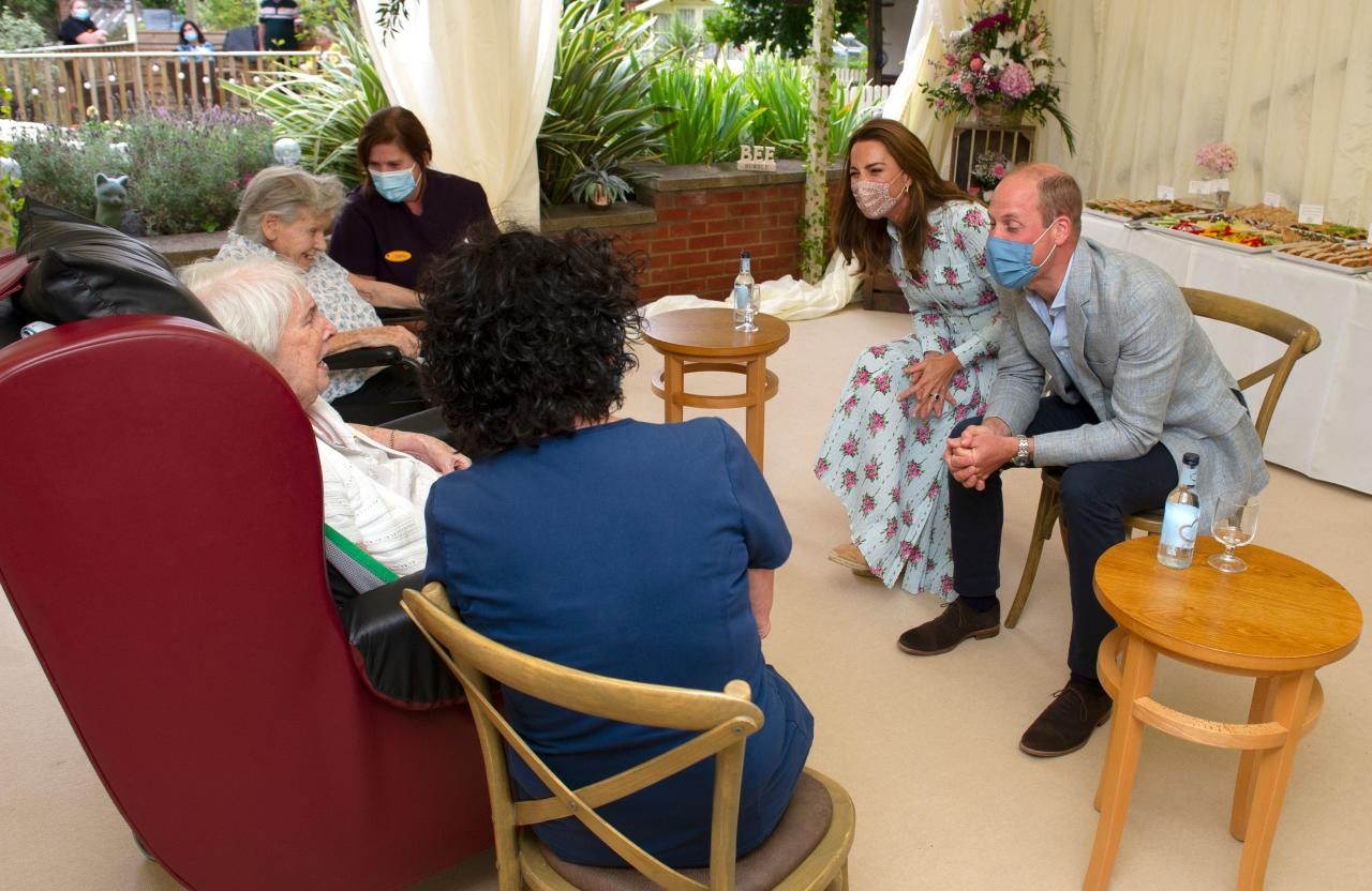 Britain's Prince William, Duke of Cambridge and Britain's Catherine, Duchess of Cambridge meet residents at the Shire Hall Care Home in Cardiff on August 5, 2020. (Photo by Jonathan Buckmaster / POOL / AFP) (Photo by JONATHAN BUCKMASTER/POOL/AFP via Getty Images)