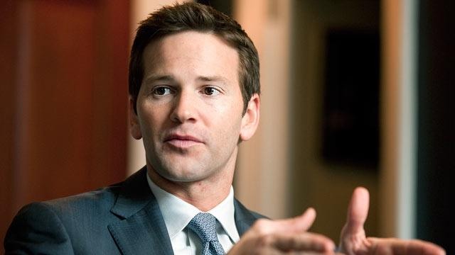 Schock Leads by Example With His Abs
