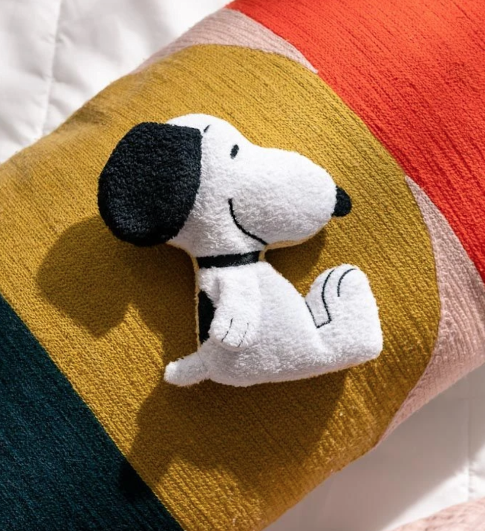 "Has <a href=""https://www.glamour.com/story/snoopy-designer-outfits?mbid=synd_yahoo_rss"" rel=""nofollow noopener"" target=""_blank"" data-ylk=""slk:Snoopy"" class=""link rapid-noclick-resp"">Snoopy</a> ever looked cuter? Thanks to Smoko, the answer is definitely not. Give the gift of comfort with this mini plushie heating pad. Bonus: there's also a Woodstock option. $15, Smoko. <a href=""https://www.smokonow.com/collections/snoopy/products/snoopy-mini-toasty-plush"" rel=""nofollow noopener"" target=""_blank"" data-ylk=""slk:Get it now!"" class=""link rapid-noclick-resp"">Get it now!</a>"