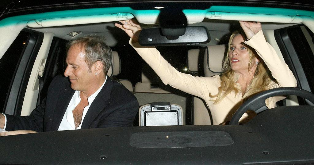 """Michael Bolton lets Nicolette Sheridan take the driver's seat on their date night. AlphaX/<a href=""""http://www.x17online.com"""" target=""""new"""">X17 Online</a> - May 16, 2007"""