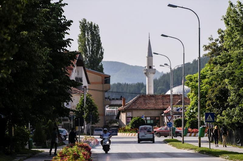 The local government in the town of Kamenica in Kosovo has launched free language courses in hopes of breaking down the mistrust that still divides Serb and Albanian communities (AFP Photo/Armend NIMANI)