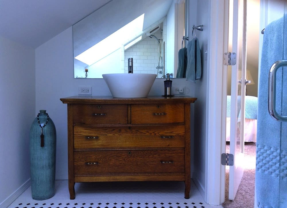 7 ways to skimp on a bathroom renovation for Bathroom remodeling diy