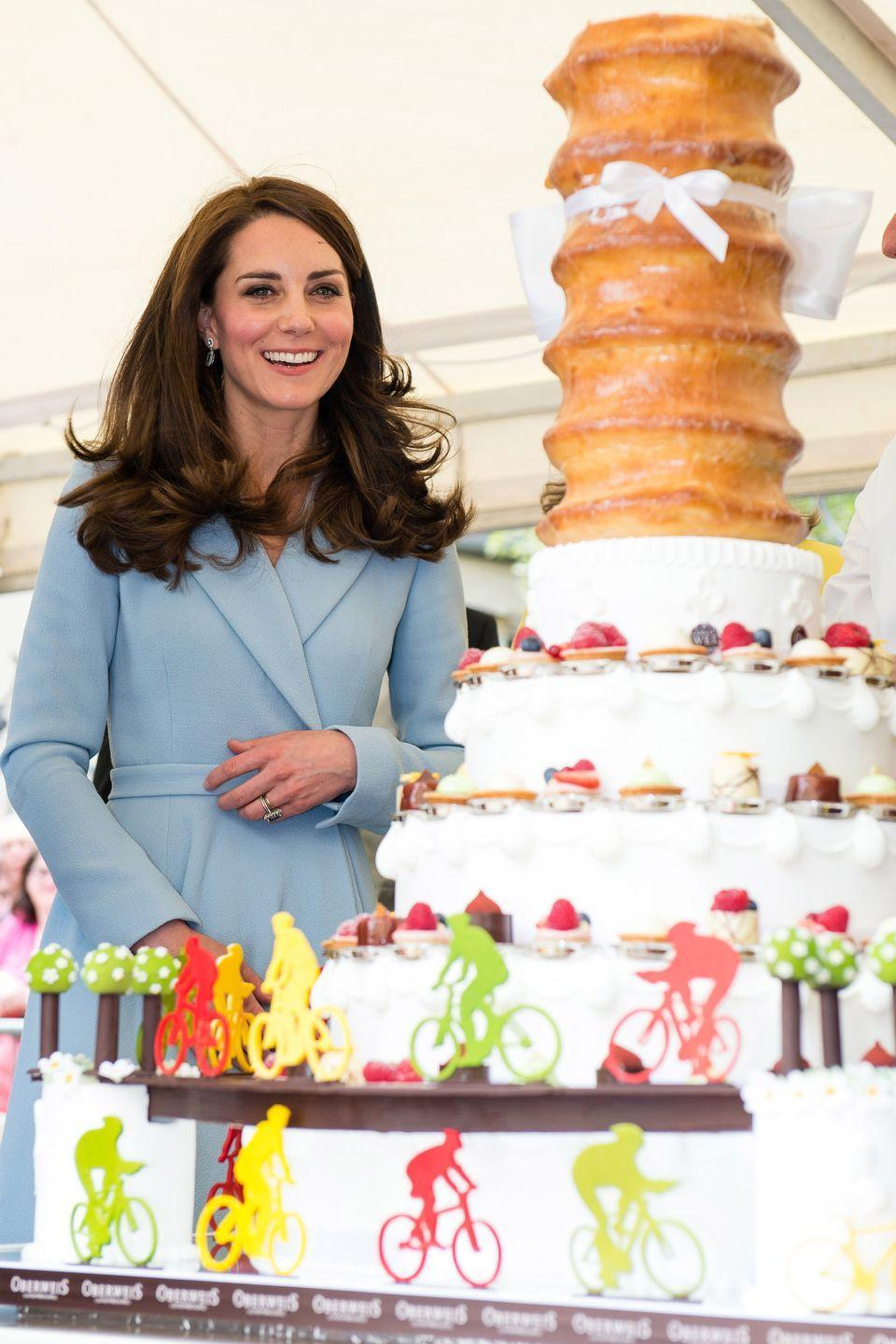 <p>Again, she's really into holiday foods, meaning come time for Christmas feasting, she's all about the cakes and pastries and batches of other sweet stuff that's involved. Yes, Kate! ILY, Kate!!</p>