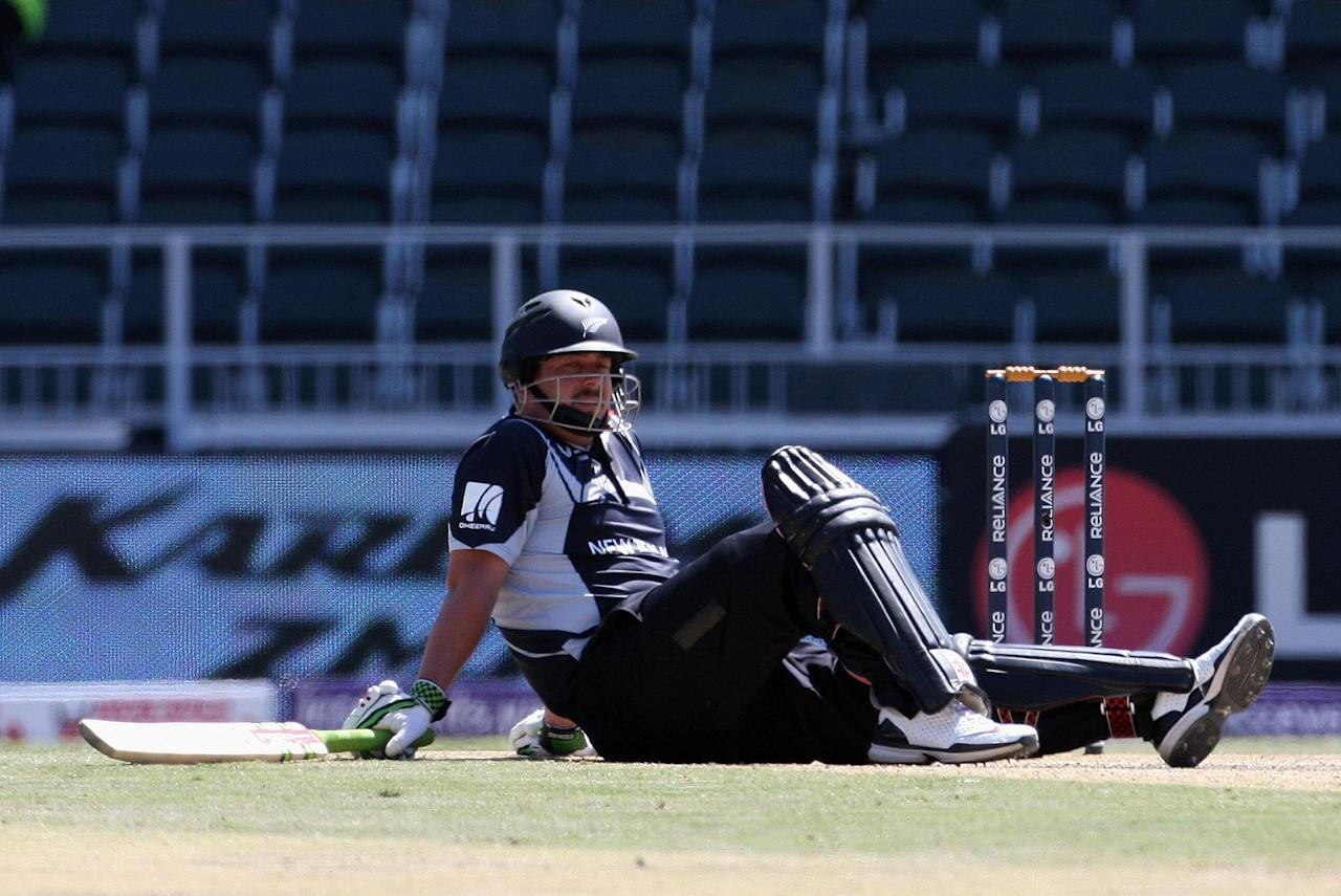 JOHANNESBURG, SOUTH AFRICA - SEPTEMBER 27:  Jesse Ryder of New Zealand goes to ground after digging out a yorker during the ICC Champions Trophy Group B match between New Zealand and Sri Lanka played at Wanderers Stadium on September 27, 2009 in Johannesburg, South Africa.  (Photo by Hamish Blair/Getty Images)