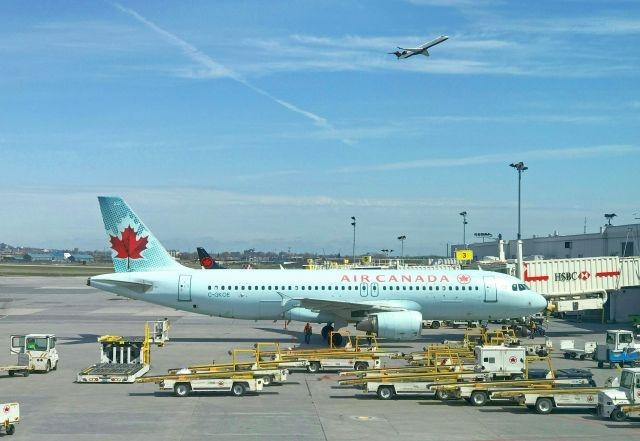 Canada extends ban on non-US arrivals by another month