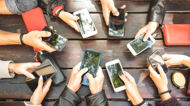 Regular Cellphone Upgrades Becoming a Thing of the Past