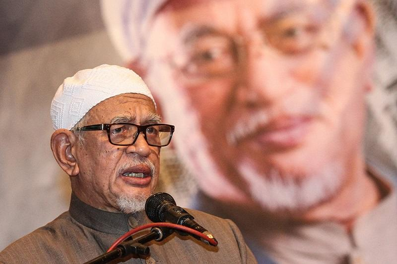 The DAP leader said that Hadi will be a 'disgrace to political Islam' if the latter cannot substantiate his claims. — Picture by Miera Zulyana