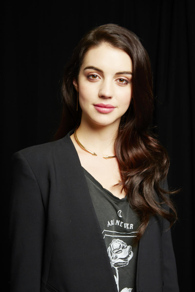 CW's 'Reign' raises Adelaide Kane to TV royalty
