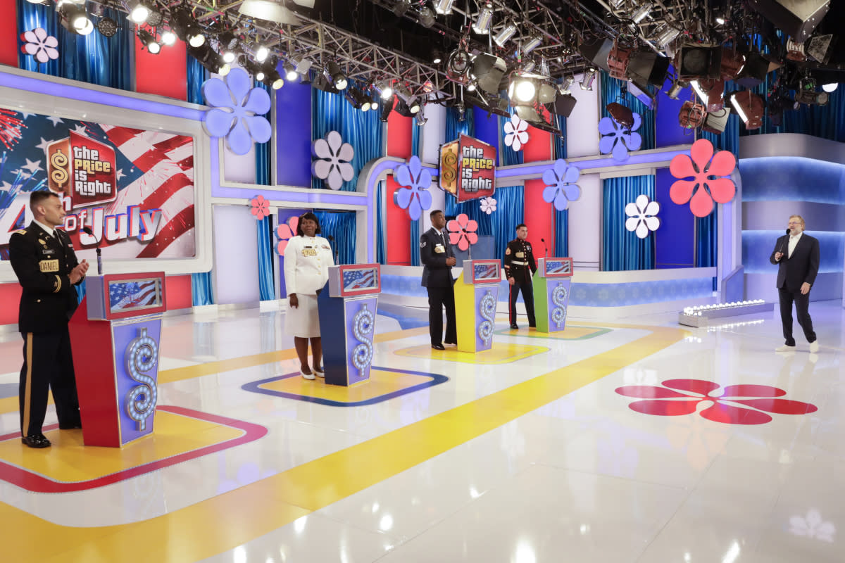 Carey hosts a special 4th of July episode of Price is Right (Photo: Cliff Lipson/CBS Broadcasting, Inc.)