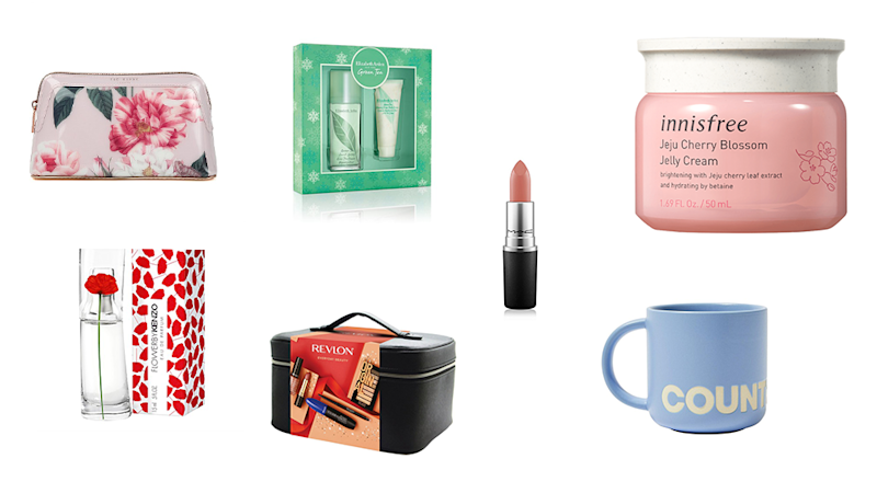Gift guide under $50. Best Christmas gifts for under $50.