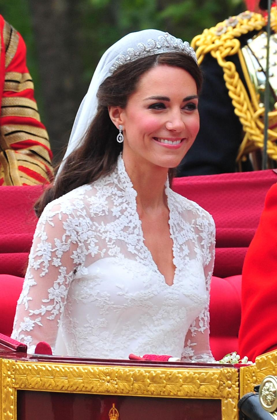 "It's been nearly a decade since Kate tied the knot with <a href=""https://www.glamour.com/about/prince-william?mbid=synd_yahoo_rss"" rel=""nofollow noopener"" target=""_blank"" data-ylk=""slk:Prince William"" class=""link rapid-noclick-resp"">Prince William</a>, but only recently did the beauty brand Bobbi Brown confirm to <em>Glamour</em> that she wore <a href=""https://www.glamour.com/story/kate-middleton-favorite-lipstick?mbid=synd_yahoo_rss"" rel=""nofollow noopener"" target=""_blank"" data-ylk=""slk:one of its lipsticks"" class=""link rapid-noclick-resp"">one of its lipsticks</a> as she walked down the aisle. (The exact shade is <a href=""https://shop-links.co/1724615541111073311"" rel=""nofollow noopener"" target=""_blank"" data-ylk=""slk:Sandwash Pink"" class=""link rapid-noclick-resp"">Sandwash Pink</a>.) And while we're pretty sure many of you have taken the opportunity to <a href=""https://www.glamour.com/story/self-isolation-has-truly-changed-my-relationship-with-makeup?mbid=synd_yahoo_rss"" rel=""nofollow noopener"" target=""_blank"" data-ylk=""slk:go makeup-free"" class=""link rapid-noclick-resp"">go makeup-free</a> during lockdown, that doesn't mean there aren't value sets (lip trios for only $43?!) too good to pass up."