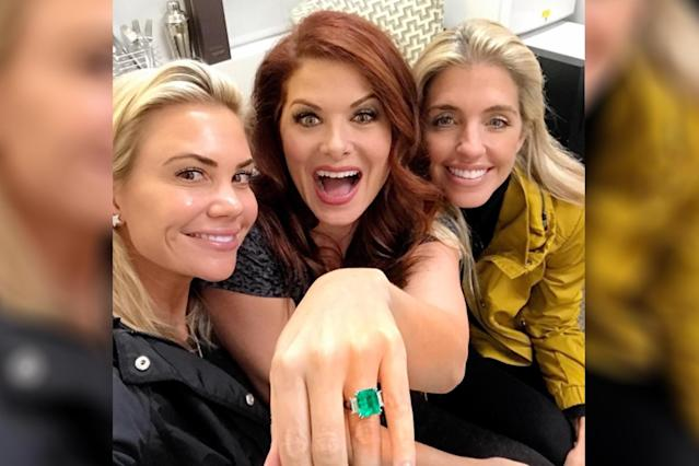 Actress Debra Messing bought herself her dream ring. (Photo: Instagram/therealdebramessing)