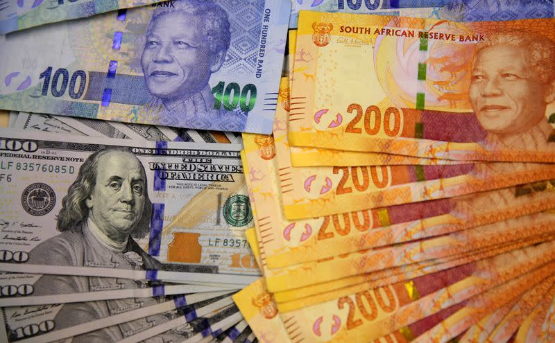 Emerging market currencies to hold gains into next year as confidence in dollar wilts: Reuters poll
