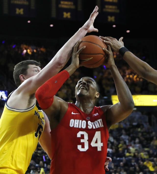 Ohio State forward Kaleb Wesson (34) prepares to shoot as Michigan center Jon Teske defends during the first half of an NCAA college basketball game Tuesday, Jan. 29, 2019, in Ann Arbor, Mich. (AP Photo/Carlos Osorio)