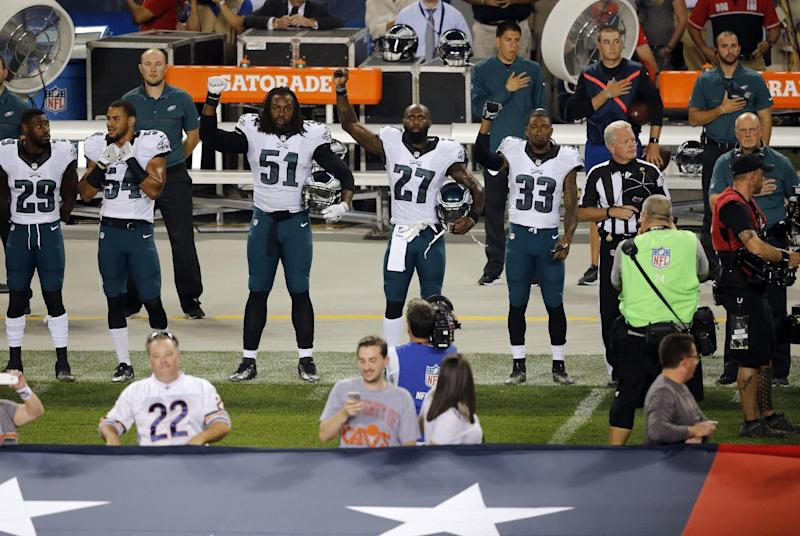 Malcolm Jenkins, other Eagles hold up fists during anthem