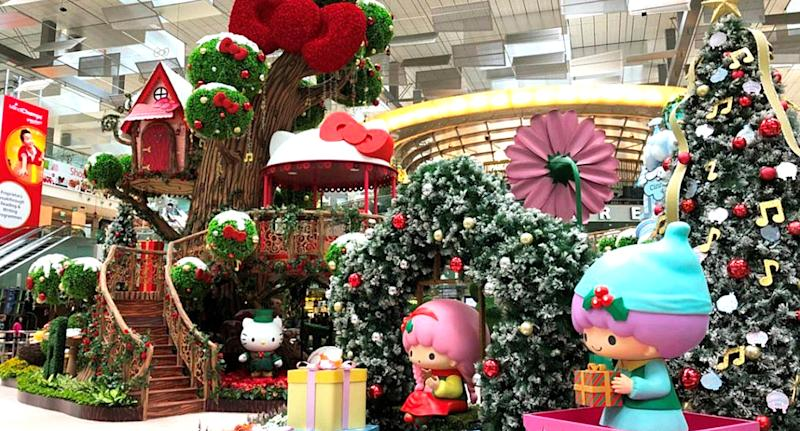 Hello Kitty and Friends at Changi Airport for Christmas (Photo: Changi Airport)
