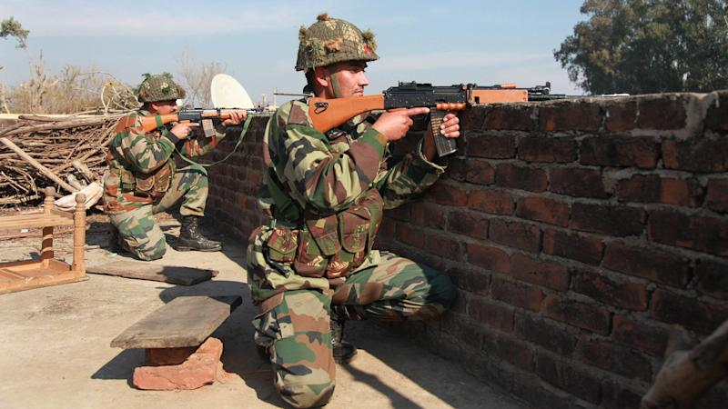 Encounter Between Forces and Militants Underway in Bandipora