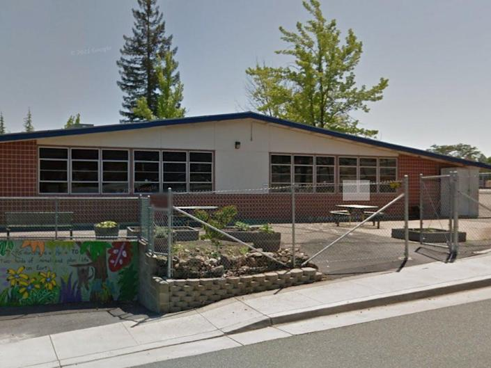 Sutter Creek Elementary School in  California where a parent beat a teacher and verbally assaulted a principal because he disagreed with the school's mask mandate (Google Screengrab)