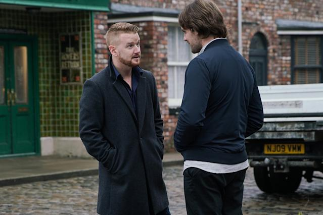 Gary Windass [MIKEY NORTH] confronts Ali Neeson [JAMES BURROWS] on the street and warns him to stay away from Maria. (ITV Plc)