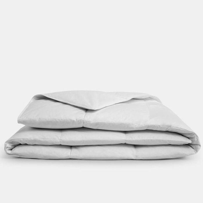 "<p><strong>Brooklinen </strong></p><p>brooklinen.com</p><p><strong>$199.00</strong></p><p><a href=""https://go.redirectingat.com?id=74968X1596630&url=https%3A%2F%2Fwww.brooklinen.com%2Fcollections%2Fcomforters%2Fproducts%2Fdown-comforter%3Fvariant%3D8344570435&sref=https%3A%2F%2Fwww.goodhousekeeping.com%2Fhome-products%2Fcomforter-reviews%2Fg27531976%2Fbest-cooling-comforters%2F"" rel=""nofollow noopener"" target=""_blank"" data-ylk=""slk:Shop Now"" class=""link rapid-noclick-resp"">Shop Now</a></p><p>This popular comforter from <a href=""https://www.goodhousekeeping.com/home-products/best-sheets/a27323978/brooklinen-vs-parachute-sheets/"" rel=""nofollow noopener"" target=""_blank"" data-ylk=""slk:Brooklinen"" class=""link rapid-noclick-resp"">Brooklinen</a> is perfect for summer use. <strong>It's available in two different fill options</strong>, so you can choose the right one for you: All-season has 700 fill power while the lighter option has 600 fill for a more breathable style. We also love the baffle-box construction that helps keep the down fill in place. And if you try it out and end up deciding it's not for you, Brooklinen offers returns and exchanges for up to a year after purchase.</p>"
