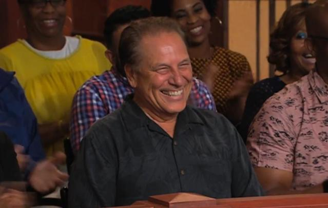 "Michigan State basketball coach Tom Izzo had a fantastic time on ""Judge Mathis."" (Twitter/Judge Mathis)"