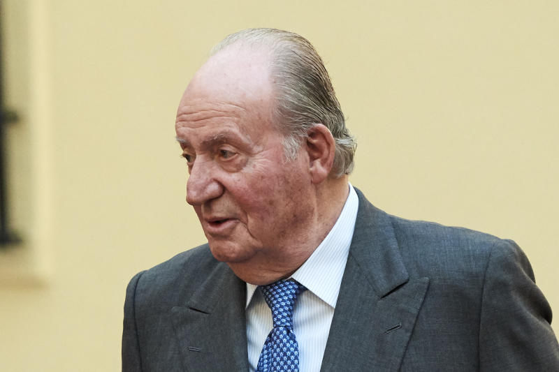 MADRID, SPAIN - DECEMBER 03: King Juan Carlos hosts an audience to the Advisory Council of the General Courts for the commemoration of the 40th anniversary of Spanish Constitution at the El Pardo Palace on December 03, 2018 in Madrid, Spain. (Photo by Carlos Alvarez/Getty Images)