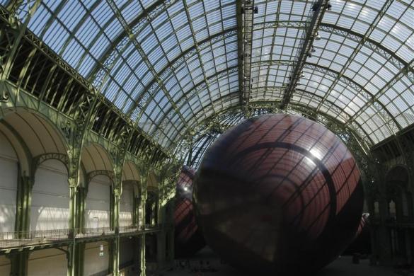 "General view of the set-up ""Leviathan"" by Indian born, British based, artist Anish Kapoor for the Monumenta 2011 event in the nave of the ""Grand Palais"" in Paris May 9, 2011."