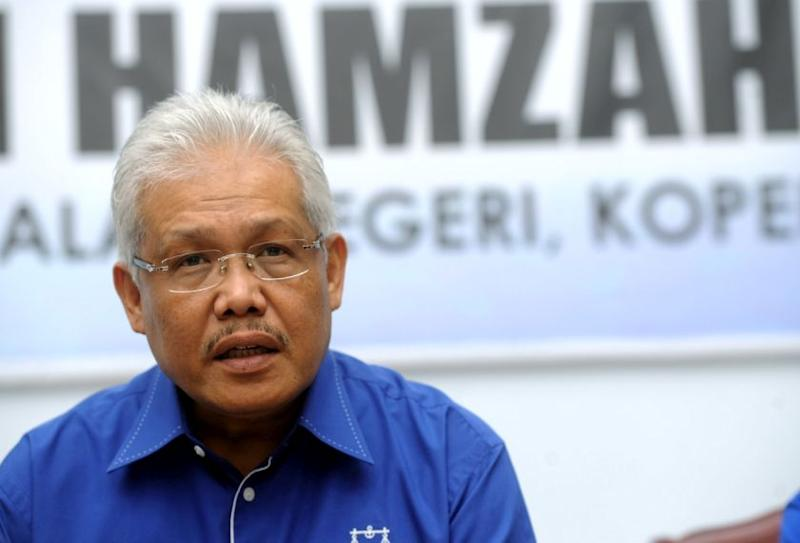 Minister: Malaysians should thank me for minimal sugar price hike