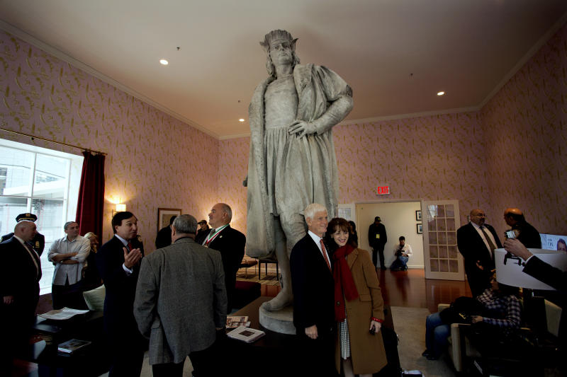 Living room built around NYC Columbus statue a hit