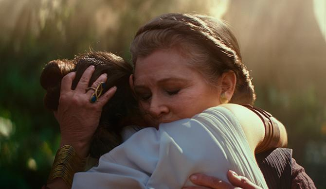 La General Leia Organa (Carrie Fisher) y Rey (Daisy Ridley) en Star Wars: el ascenso de Skywalker ((c) 2109 ILM and Lucasfilm Ltd. All Rights Reserved.)