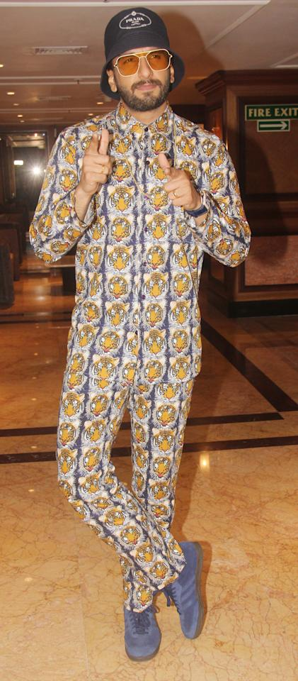 <p>After 'Simmba', Ranveer Singh roars in this tiger print ensemble. </p>
