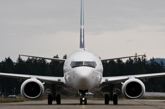 The front of a Boeing 737.