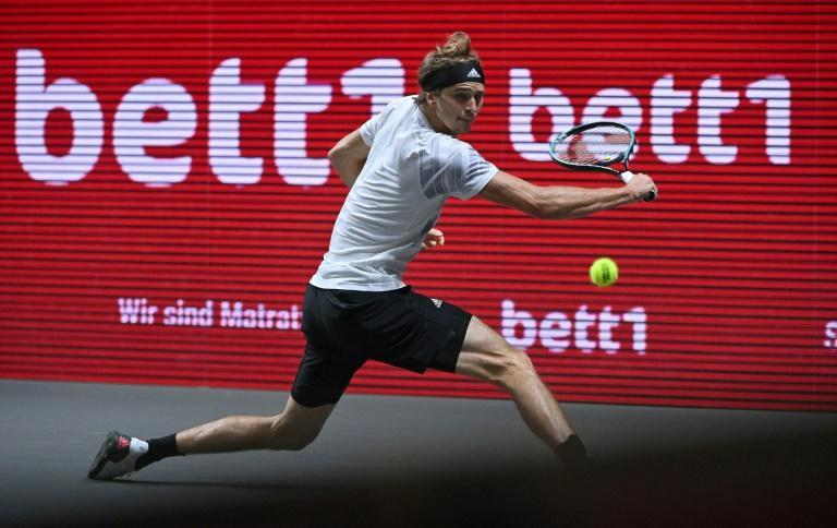 Alexander Zverev is through to his second ATP final in Cologne in a week