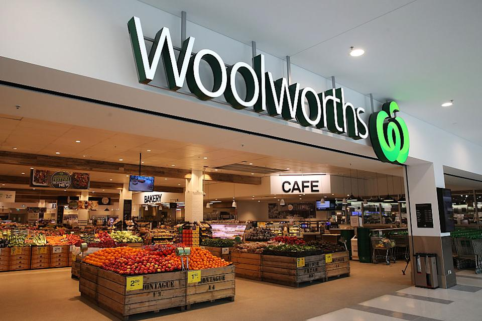 The outside of a Woolworths supermarket.